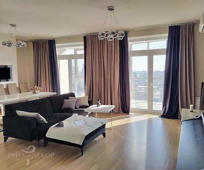 Шторы в гостиной в апартаментах с видом на Моксва-Сити 01