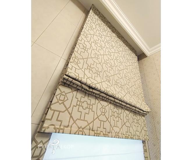 Двойная римская штора в ванной 03